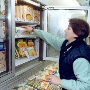 Surgelati: ne mangiamo 841.500 tonnellate. Sempre più verdura, pesce e pizza nel freezer. Meno carne
