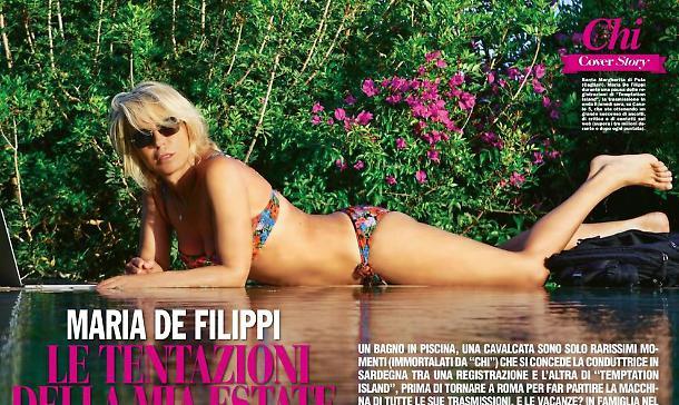 Maria De Filippi in bikini