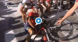 Vincenzo Nibali, la caduta al Tour de France. Forse toccato da una moto della polizia VIDEO