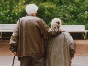 Obesi, fumatori e inattivi: così si diventa anziani prima del tempo