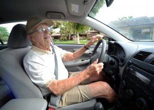 Anziani al volante, arriva assicurazione SerenEtà di Sara