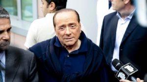 Silvio Berlusconi al San Raffaele di Milano: ricoverato più ore del previsto
