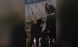 Beyoncé, incidente sul palco: qualcosa va storto. Lei reagisce così