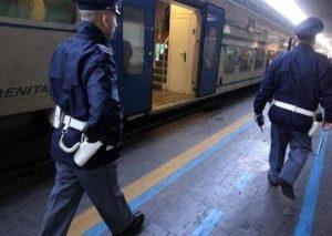 Lecco: stranieri ubriachi prendono a pugni capotreno e vigilantes
