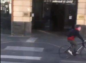 Ciclista dito medio