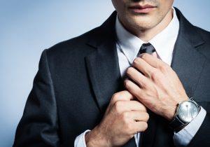 Cravatta troppo stretta? Attenzione: riduce il flusso di sangue al cervello