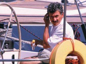 D'Alema e il mistero della nuova barca, con bandiera inglese: è uguale a Ikarus ma...