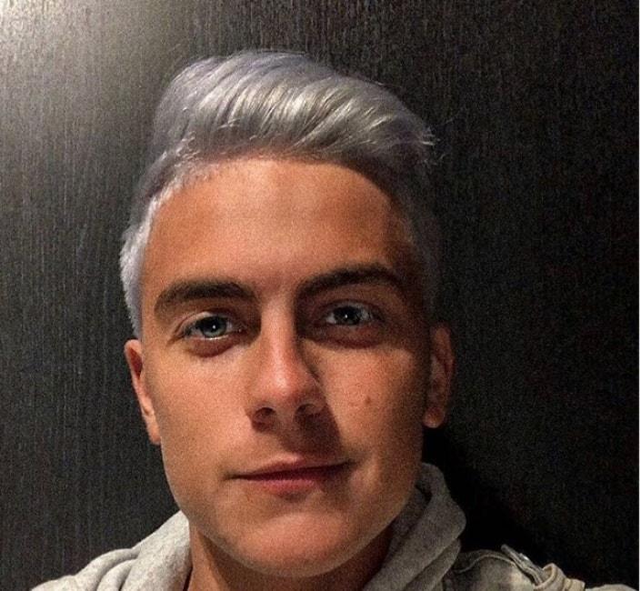 Dybala capelli argento