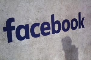 Facebook, Crimson Hexagon sospesa per sospetti su uso dati personali