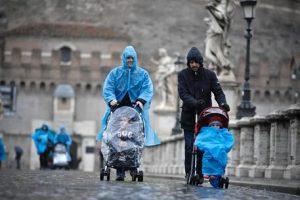 Pesaro: Procura impugna trascrizione figli coppia gay all'anagrafe. Violato ordine pubblico