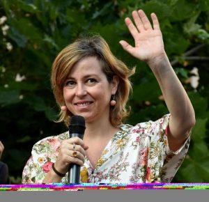 """Giulia Grillo in conferenza stampa: """"Aspetto un figlio e lo farò vaccinare"""""""