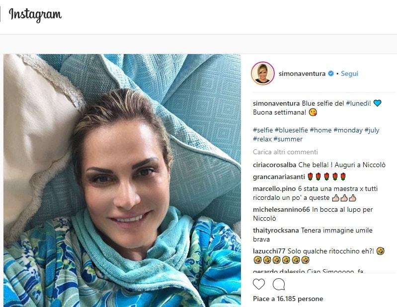 Instagram, Simona Ventura pubblica selfie