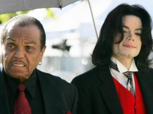 """Michael Jackson """"castrato dal padre"""" quando era bambino? Le accuse inquietanti del Dott. Murray"""