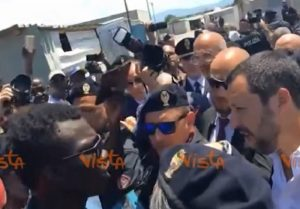 Matteo Salvini baraccopoli di San Ferdinando