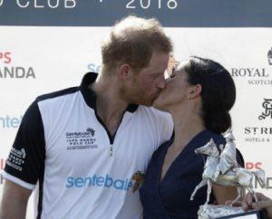 Meghan Markle bacia il principe Harry