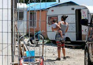Aviano: ragazzini nomadi incendiano tre volte una casa, denunciati