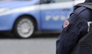 """Napoli, due poliziotti si sono tolti la vita nelle ultime due settimane. L'allarme del sindacato: """"Strage silenziosa"""" (foto Ansa)"""