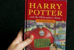 Harry Potter, 11enne comprò prima edizione con errori di stampa. Rivenduto all'asta per 63mila euro