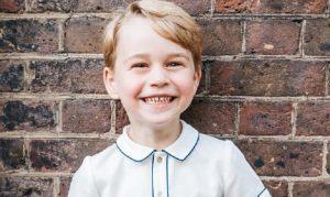 Il principe George compie 5 anni: la FOTO ufficiale della famiglia reale