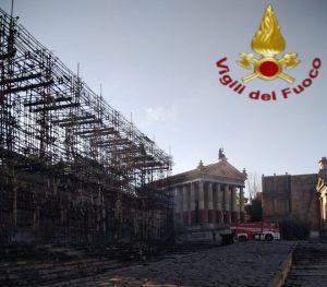 roma incendio cinecittà