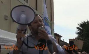 Matteo Salvini alla parola umanitaria mette mano alla circolare. Ma Mattarella gli nega immunità elettorale