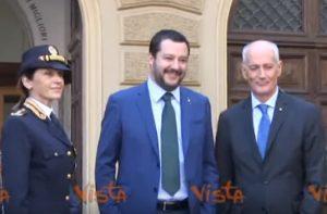 """Matteo Salvini depone fiori al Sacrario della Polizia: """"Grazie e Onore a voi"""""""
