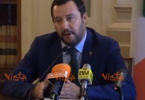 Salvini sui campi rom