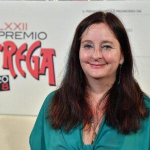Premio Strega 2018 a Helena Janeczekcon La ragazza con la Leica (Guanda)