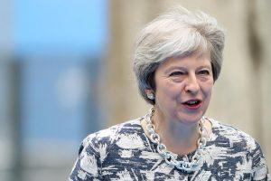 Brexit, May annuncia stop a europei in cerca di lavoro in Gb