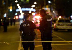 Toronto, sparatoria in strada: due morti e 14 feriti - VIDEO