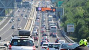 A14, tre incidenti bloccano l'autostrada tra Faenza e Ravenna: otto chilometri di coda (foto Ansa)