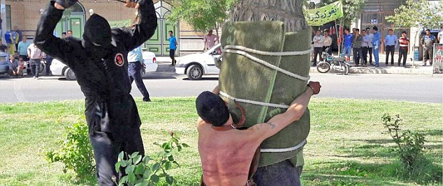 Iran, ecco cosa ti succede se bevi alcolici