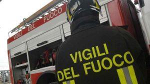 Milano, incendio deposito rifiuti ingombranti: nube nera, rischio tossico