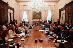 Taglio dei vitalizi alla Camera: M5s festeggia a Montecitorio