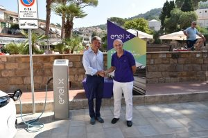 Auto elettrica, Enel X installa colonnine a Castellabate nel Cilento FOTO