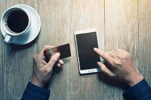 Acquisti online, oltre alla carta di credito servirà un codice speciale. Ecco come funziona