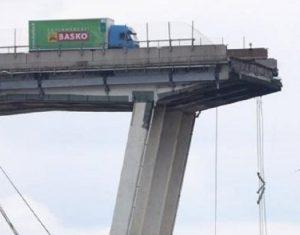 Ponte Morandi camion basko