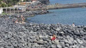 Catania: tre indiani molestano due minorenni in spiaggia