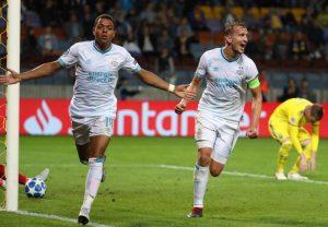 Champions League, risultati playoff: Ajax e Psv ok, colpo esterno dell'Aek Atene