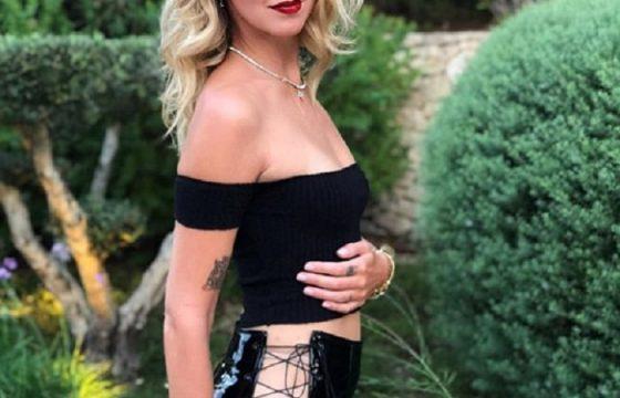 """Chiara Ferragni, vestito senza slip...FOTO Gli utenti social le urlano """"Vergogna"""""""