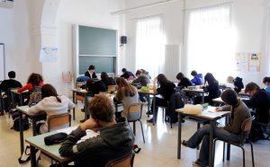 Scuola: supplente per 10 anni, Ministero condannato a pagargli tutti i mesi senza lavoro