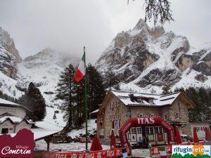 Maltempo al Nord, allagamenti in Veneto. Prima neve a Cortina d'Ampezzo