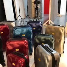 Crash Baggage: le valigie di tendenza oggi escono già ammaccate dalla fabbrica