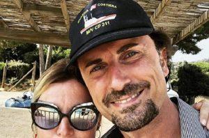 Danilo Toninelli e il selfie inopportuno: la Guardia Costiera ha bisogno di altra vicinanza