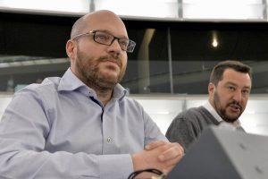 """Lorenzo Fontana: """"Il razzismo in Italia non esiste, abolire la legge Mancino"""". Casapound? No, il ministro della famiglia"""