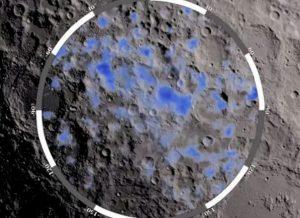 Luna, acqua ghiacciata nelle regioni polari: la scoperta