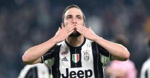 Calciomercato Milan, si blocca la trattativa per Higuain. Resta il nodo ingaggio. E il Chelsea... (foto Ansa)