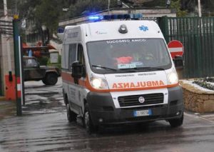 Viadana (Mantova), scontro frontale tra due auto: tre morti (foto d'archivio Ansa)