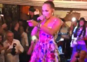 Jennifer Lopez canta a Capri