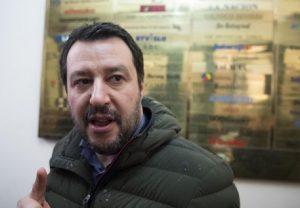 """Matteo Salvini: """"L'euro non è irreversibile. Immigrazione? Seguo il modello australiano"""" (foto Ansa)"""